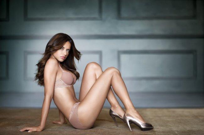 Adriana Lima (4 фото)