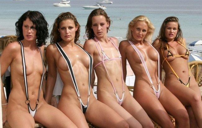 Девушки в классных купальниках (20 фото)