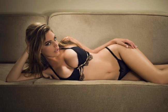 Kelly Brook (10 фото)