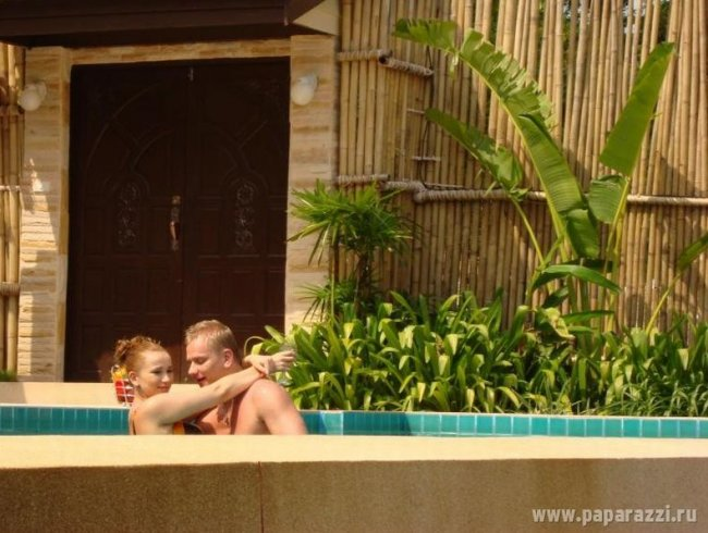 Анфиса Чехова со своим парнем на отдыхе (16 фото)