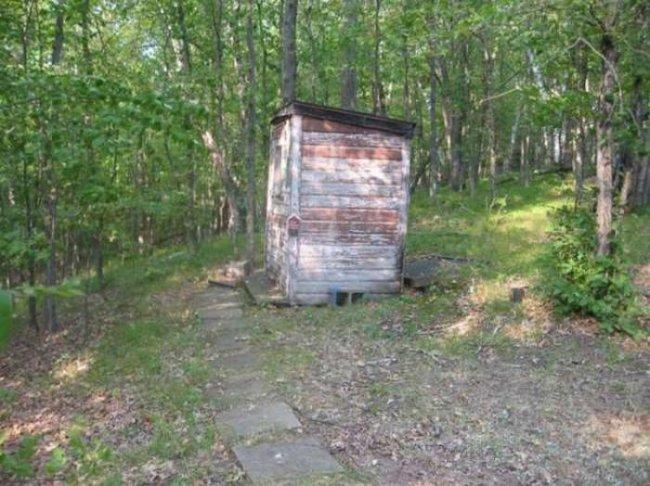 Туалет в лесу (5 фото)
