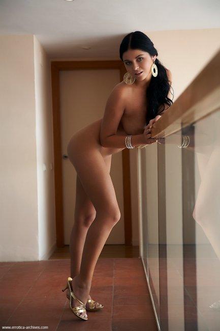 Чукотская красавица понедельника: Karima (15 фото)