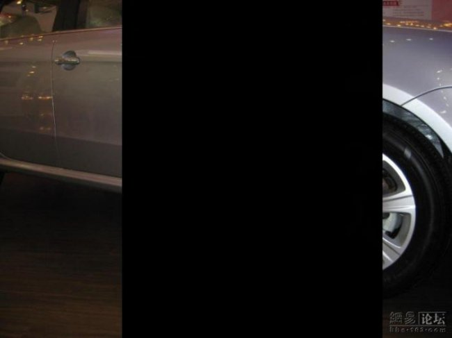 Клевая девочка с автошоу (6 фото)