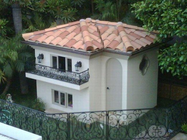 Домик для собачки Пэрис Хилтон (12 фото)