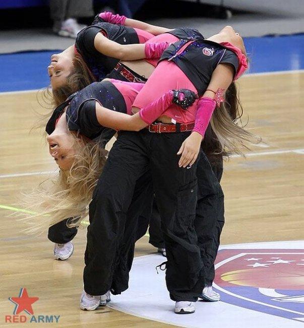 Девушки из группы поддержки ЦСКА (45 фото)