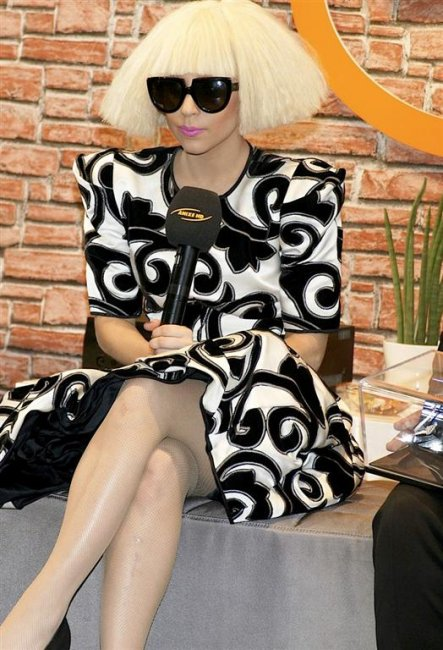 Lady GaGa in Berlin (11 фото)