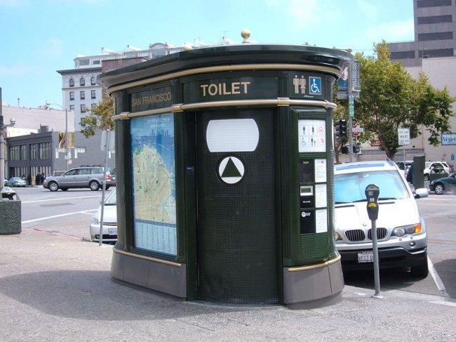 Общественные туалеты разных стран (56 фото)