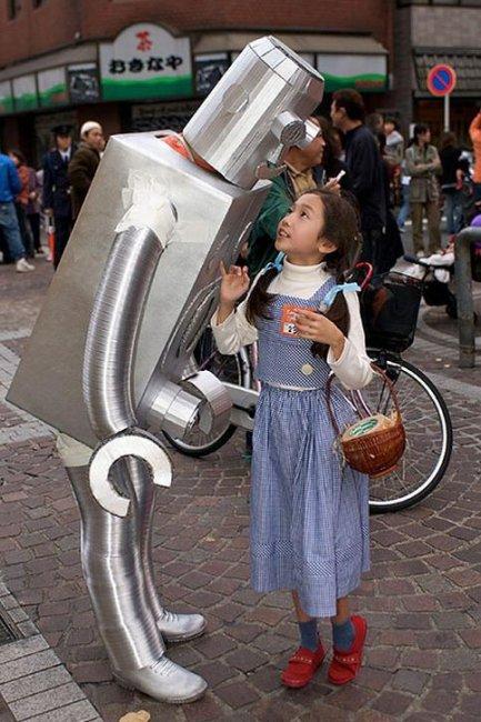 Прикольный японский робот (7 фото)