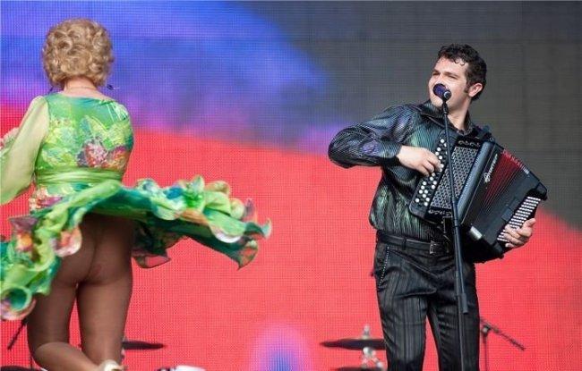 Екатерина Шаврина не одевает на концерты трусы... (4 фото) НЮ