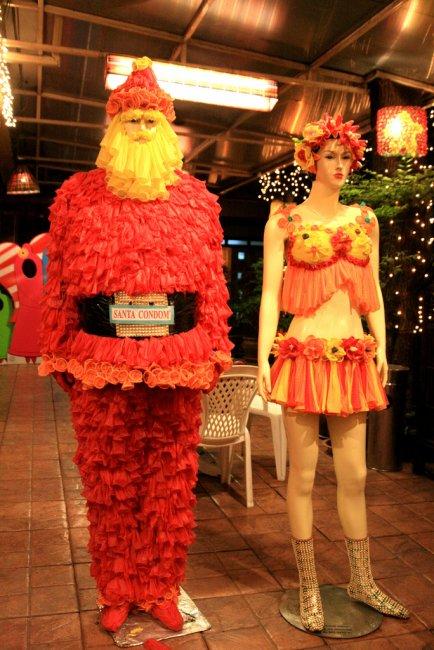 Санта condom (6 фото)