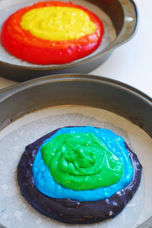 Готовим разноцветный тортик (18 фото)
