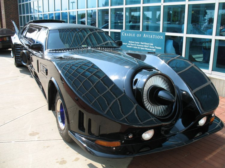 Автомобиль Бэтмена (5 фото)