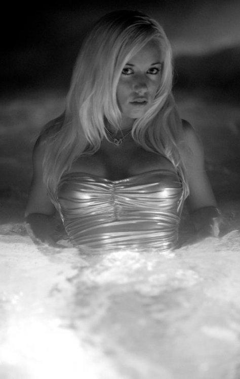Kendra Wilkinson (8 фото)